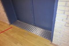 Rep af gulv ved udgang